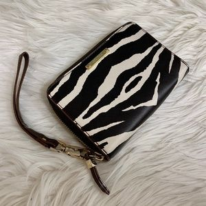 Stella & Dot Chelsea Tech Wallet in Zebra
